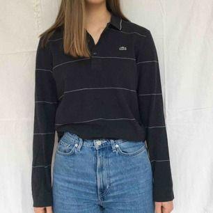 Grå Lacoste-tröja  Ca storlek M  Kunden står för frakt<3
