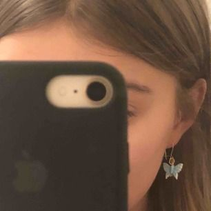 Säljer dessa fina örhängen!! 🦋🦋⭐️🌟🧚🏼♂️