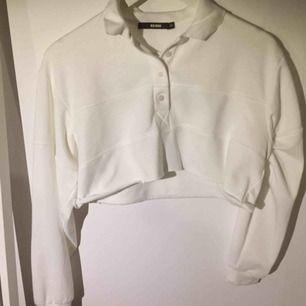 Kort tröja från BikBik