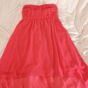 Fin oanvänd strapless balklänning/klänning i jätte fint skick