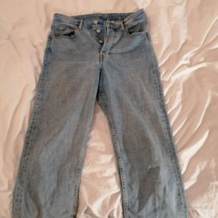 Mom jeans i fint och bra skick, nästan oanvända