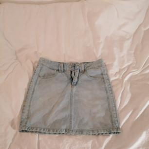 Fin och billig Jeans kjol i bra skick