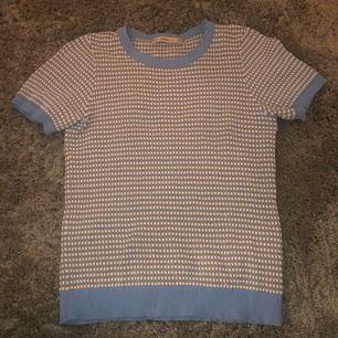 Säljer min fina T-shirt från zara. Använd ca 5 gånger👕👕