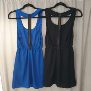 Tyckte dom va coola så köpte två, använde ingen.. Så två helt oanvända klänningar. Blå i M och svarta är S. Svinsnygg med dragkedja på ryggen. 75kr st eller båda för 120. Frakt tillkommer