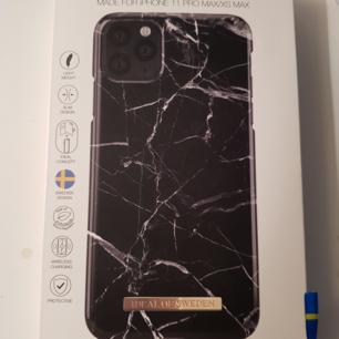 Ideal Of Sweden skal för iPhone 11 pro max/xs max i färgen Black Marble Nyskick, aldrig använt Nypris 299. Köparen står för frakt💖