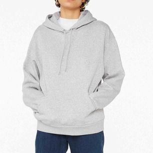 Grå hoodie från monki, jätte skön! Frakt: 50kr