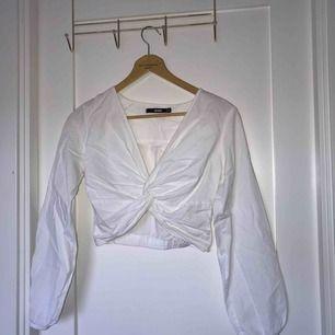 Jätte fin vit blus, mycket bra skick!