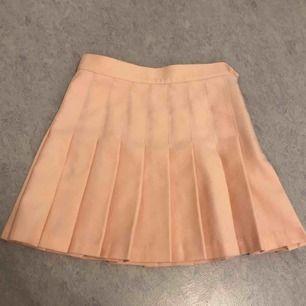 Peach Rosa Skater Kjol från American apparel 🍑