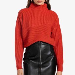 Röd stickad tröja från Ivyrevel i storlek XS  Aldrig använd  Väldigt bra skick Köparen står för frakt