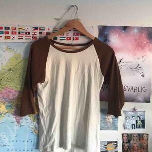 Finfin tröja med trekvartslånga ärmar :)