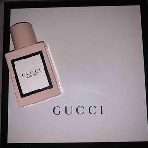 Gucci parfym, köpt för 500kr för två år sen knappt använd