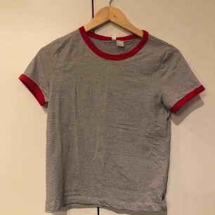 Tshirt från H&M aldrig använd