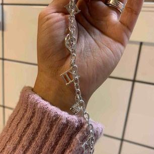 Armband i äkta silver, använd några få gånger.