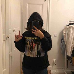 Härlig hoodie från Zara med charlies angels tryck 🤘🏽 Storlek S/M