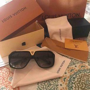 Louis Vuitton replica solglasögon, tillkommer allt på bilderna. 💫 (inte äkta) frakt 63kr spårbart.