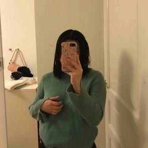 Fin tröja från zara kids 152 men funkar som xs då jag har det. Jätte skönt material