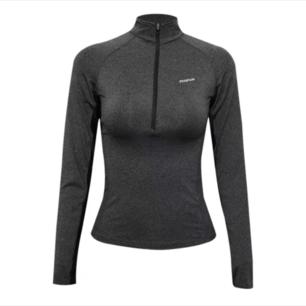 Säljes en oanvänd tränings kofta /fleece tröja i grå!!!
