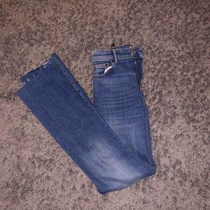 Jeans från zara Bootcut  Säljs inte längre