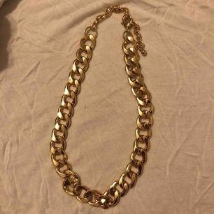 Halsband från UR&PEN. Använd 1 gång.  Frakt 11:-