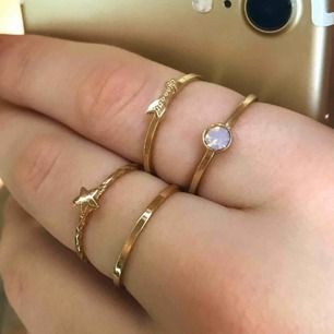 Superfina oanvända guldiga ringar. 15kr/st eller 50kr för alla! Köparen betalar frakt❣️