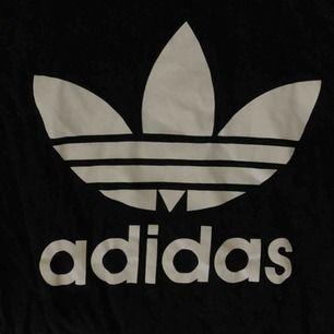 Adidas t-shirt. Ej äkta, men fin!!