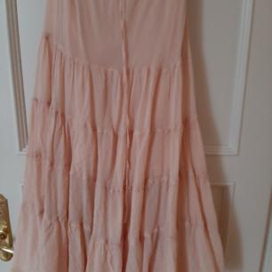 Superfin kjol köpt i Venice Beach.  Strl S/M. Knappt använd. Ord pris ca 1300:- Nu 200:- Fri frakt