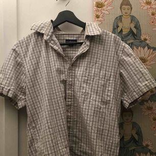 Rutig kortärmad skjorta cooool