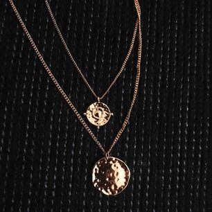 Halsband från NA-KD. Aldrig använd. Frakt 11 kr :)