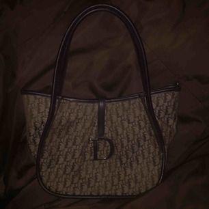 Dior handväska som är fake:)