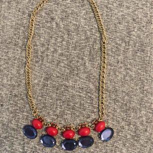 Halsband  Aldrig använt 45 kr 📬Kan skickas mot fraktkostnad(11 kr)