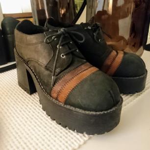 Asballa vintage skor!✨Passar storlek 37-38
