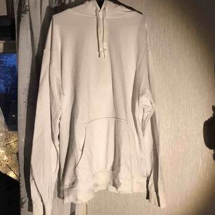 Vit hoodie Från Cubus Använd 2 gånger