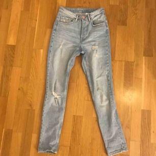 Vintage jeans från HM. Bara använda ett fåtal gånger.  150 inklusive frakt eller mötas i bunkeflo/malmö🤍