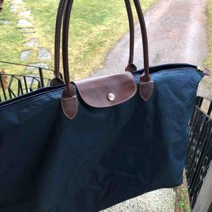 Longchamp väska stor! Väldigt fin i skicket