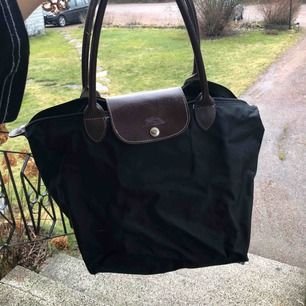 Longchamp väska svart!