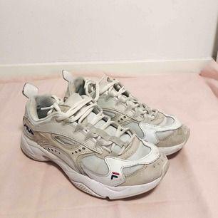 Fila Sneakers storlek 38