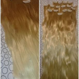 Löshår clip-on 7 delar. I färgen ljusbrunt/blont. Håret är färgat till den färgen den har nu. Håret är mjukt, glansigt, mer matt ton kan man få beroende på vilka produkter man använder till håret. (Köparen står för frakten 27kr) (håret är tvättat)