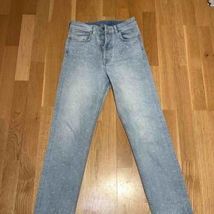 Snygga sköna jeans med så pärlor