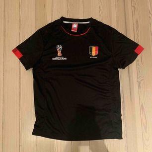 Äkta Belgien-tröja från VM i fotboll 2018. Storlek S men väldigt stor i storlekarna. Helt oanvänd⚽️👊🏼