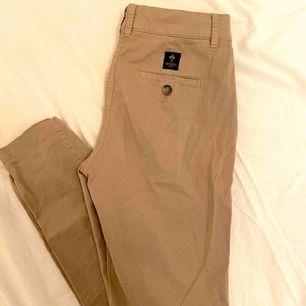 Äkta Morris byxor/chinos. Dessa fina byxor har aldrig blivit använda och är i toppskick.