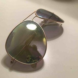 Grön gula solglasögon, mellan stora, dom är grattis köparen betalar bara frakt