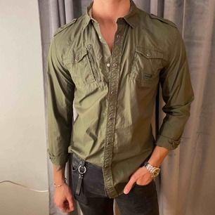 Säljer denna skjortan ifrån DIESEL, den är i mycket fint skick!🪐