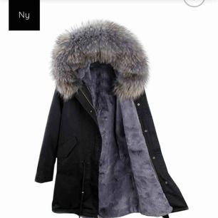 Super fin jacka köpt på bornofstockholm.com köptes för 4,199 kr ! Endast använd vid en säsong, så jackan är i bra skick! Säljs då denna ej kommer till användning!