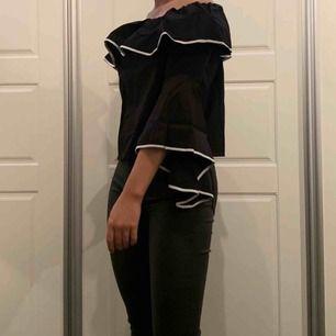 Tröja från Zara, oanvänd med lappen kvar.