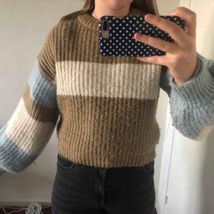 En ganska ny tröja från na-kd designad av louis jorge. Nypris ca 450kr