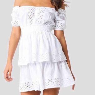 Superfin klänning från NAKD. Använd 1 gång. Frakt ingår.