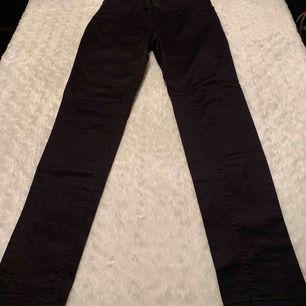 Zara jeans knappt använda , storlek 36.