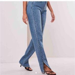 Split jeans!! Supersnygga jeans med slits, ALDRIG ANVÄNDA. Kontakta för fler bilder🥰