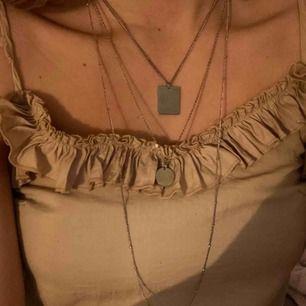 halsband från Gina knappt använt!! Super fint!