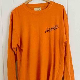 Långärmad t-shirt köpt på Carlings! Möts gärna upp i Göteborg, annars löser vi det med frakt såklart🤍